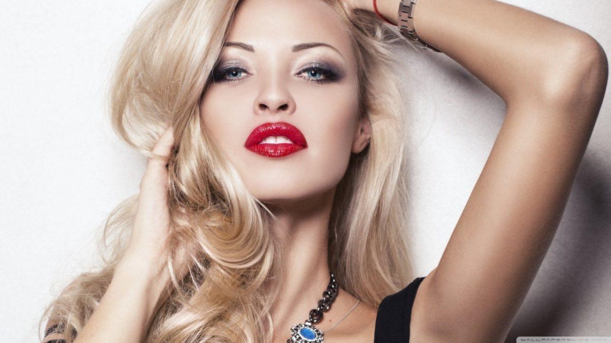 Quel rouge à lèvre choisir pour une blonde?