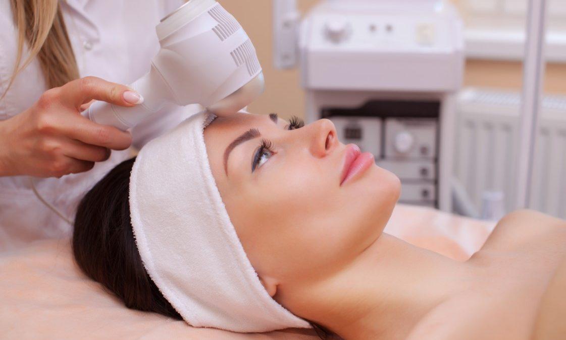 Cryothérapie du visage : que savoir avant de se lancer