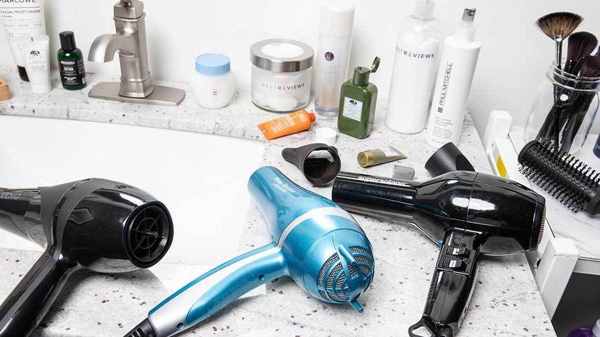 Sèche-cheveux ionique : comment bien le choisir et l'utiliser?