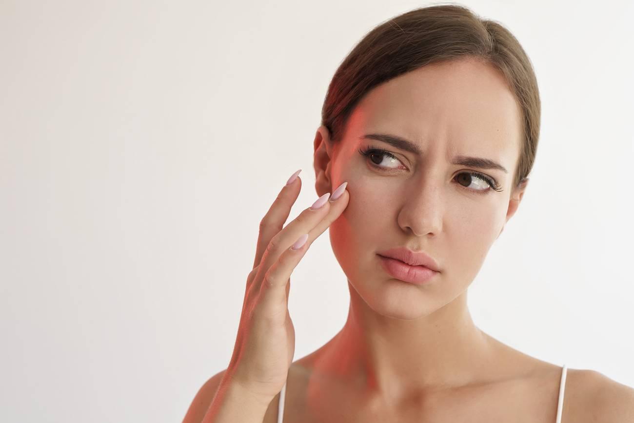 Peau grasse : comment nettoyer les impuretés ?