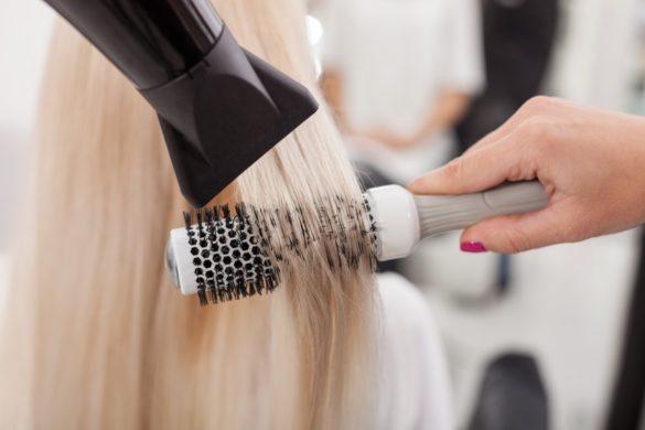 sèche-cheveux pour brushing