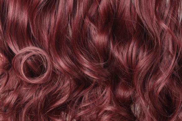 couleur acajou cheveux