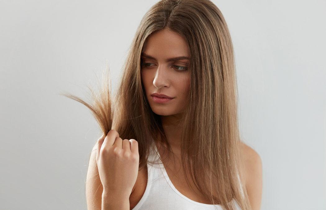 Comment lutter et éviter des fourches dans les cheveux?