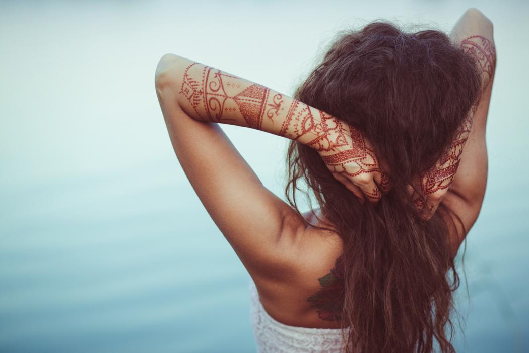 Henné sur cheveux blancs