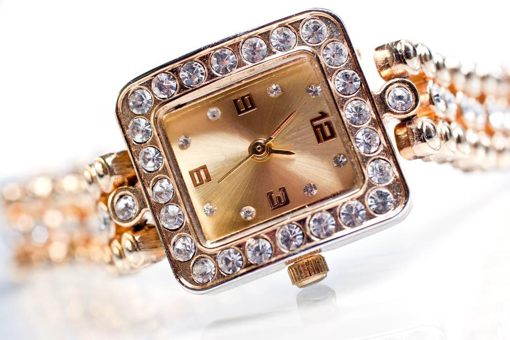 comment porter montre bijoux