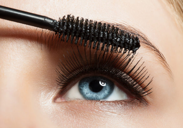comment maquillage yeux sensibles