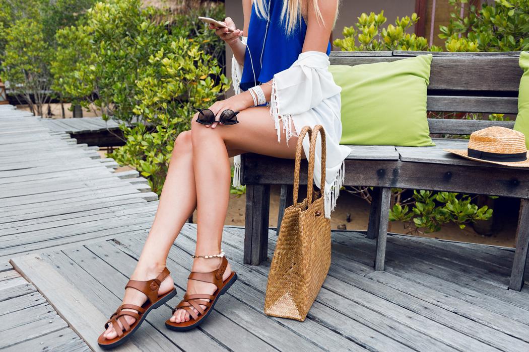 Comment bien porter la sandale cet été ?