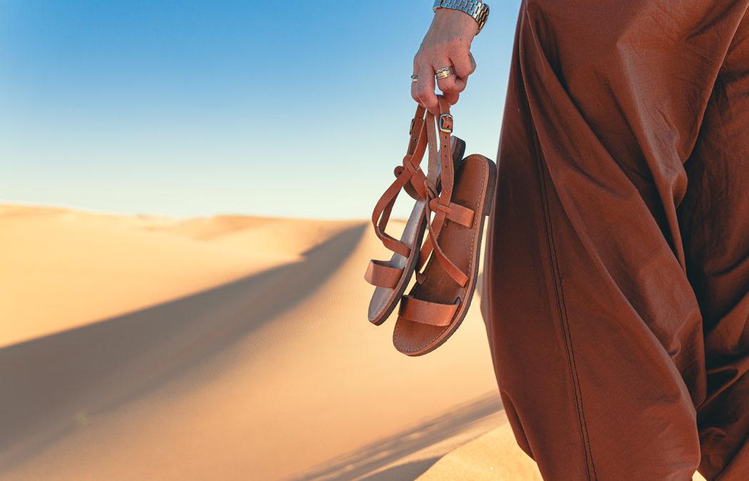 Comment bien porter la sandale cet été?