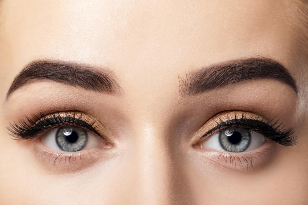 Teinture pour sourcils : conseils et erreurs à éviter